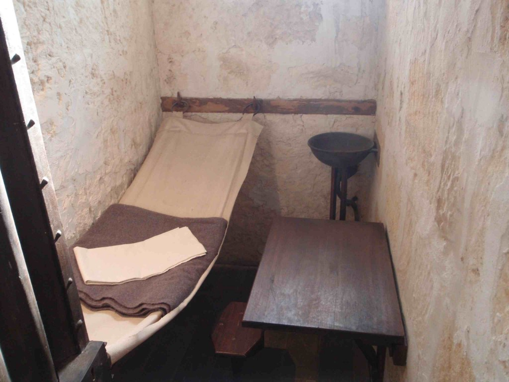 Worst Prison Cell   www.imgkid.com - The Image Kid Has It!