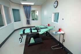 1280px-SQ_Lethal_Injection_Room