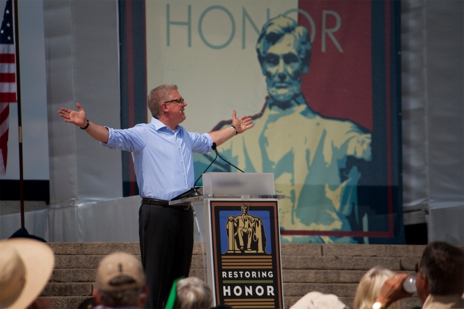 Glenn Beck at his 2010 Restoring Honor rally. (Source: Wikimedia Commons)