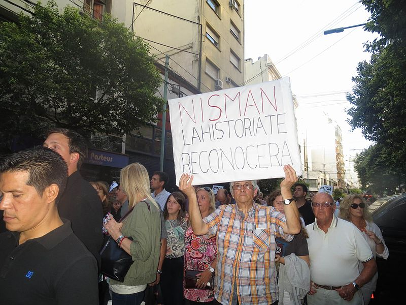 Argentines have been taking to the streets in to demand justice for the dead prosecutor Alberto Nisman (Source: Wikimedia Commons)