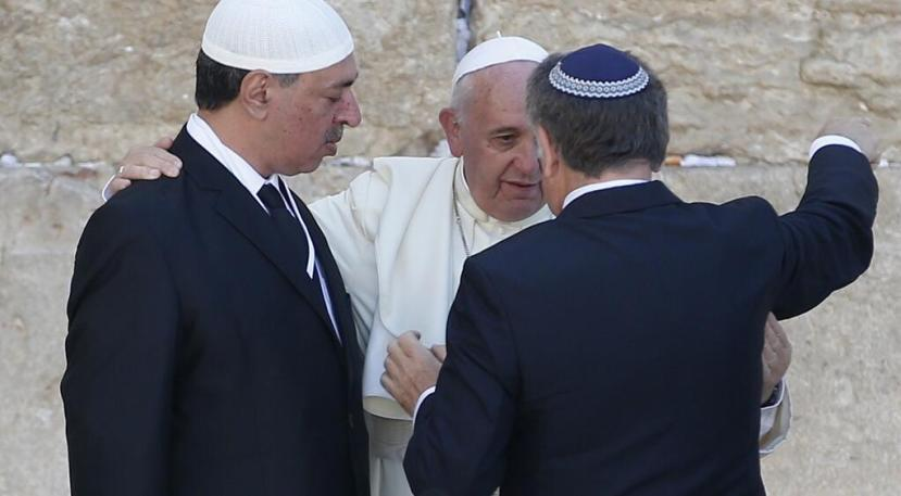 Francis-hugs-Muslim-and-Jew1